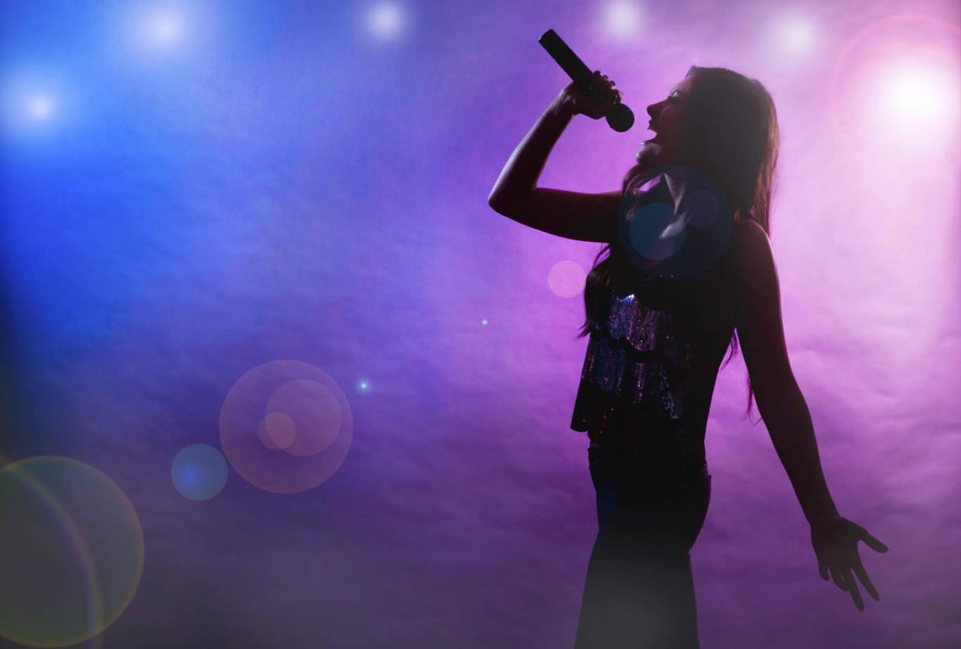 L'estate siciliana della baldoria è servita |  vietato dormire tra karaoke e festini