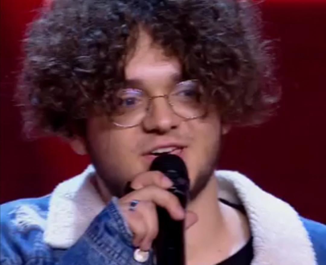 Il siciliano Salvatore Medica a X Factor, pubblico in deliri