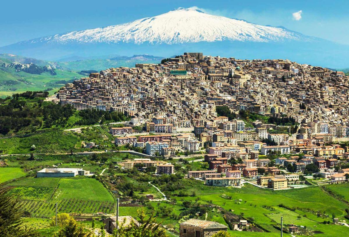 Il Borgo dei Borghi, tre gioielli siciliani in gara: Castelm