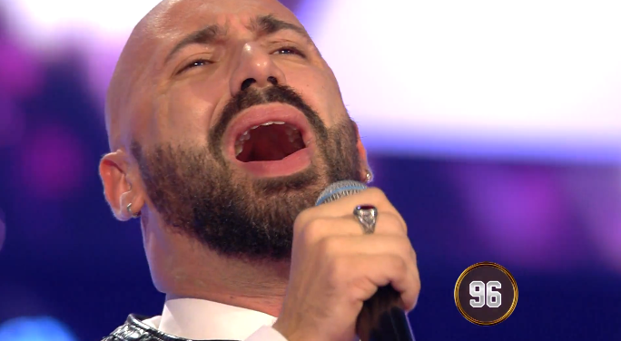 "Federico Martello |  cantante in carrozzina da San Cipirello a ""All together Now"""