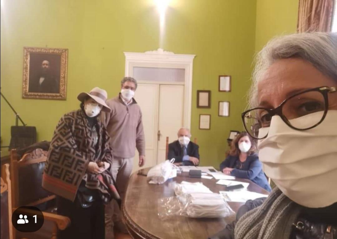 "Coronavirus, a Corleone mascherine artigianali donate agli """