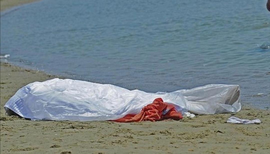 Tragedia a Mondello, donna entra in acqua e muore