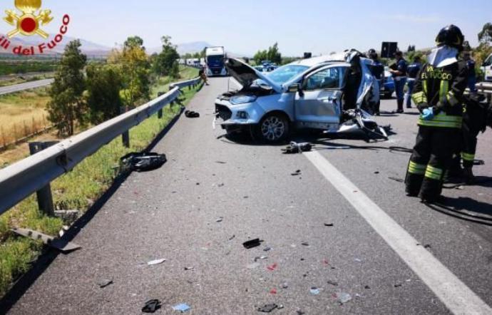 Incidente mortale sulla Palermo Catania, muore una donna