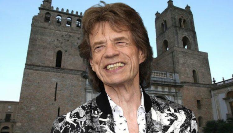 Mick Jagger stregato dalla Sicilia compra casa e giura amore eterno all'Isola